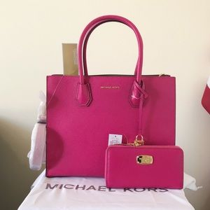NWT Michael Kors Mercer Large Tote Set